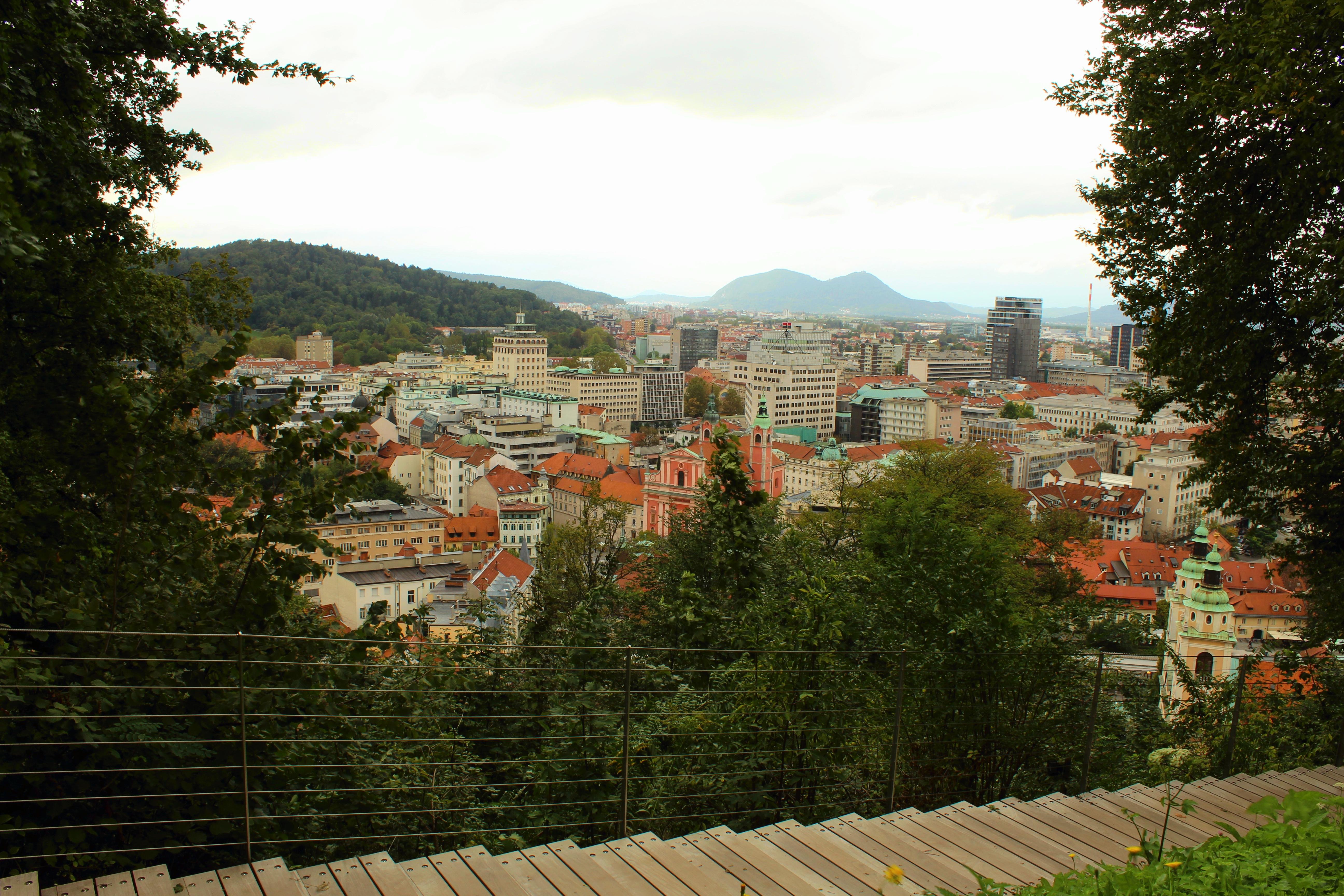 Klick auf's Bild für die besten Cafés, Shops und Tipps für Deinen Citytrip in das wunderschöne Ljubljana!