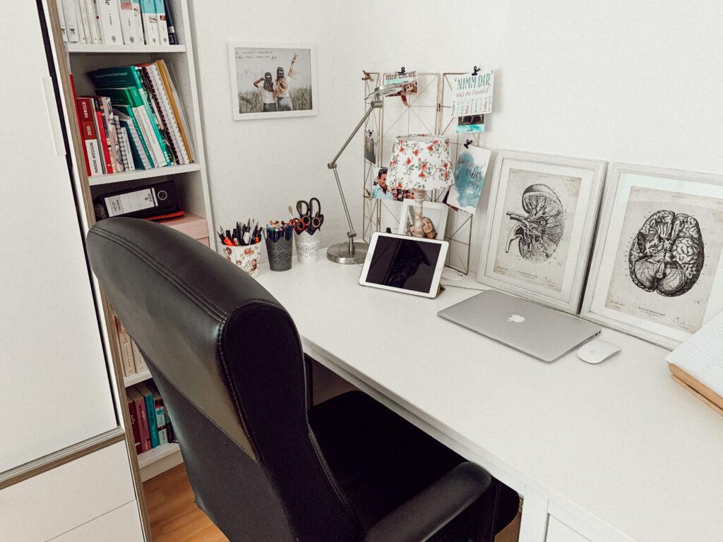Homeoffice, Schreibtisch, Einrichtung, Interior, Studium, Medizinstudium, Medizin, Desk Inspo, Inspiration, Organisation, Schreibtisch